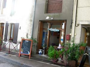 Seafood Restaurant along Canal du midi