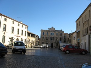 Center square: Museum, Mairie, Police, Shops and Art Gallery