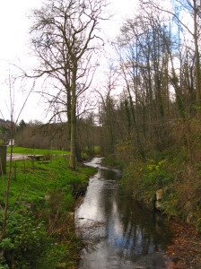 Creek from the cascade to the river Berre