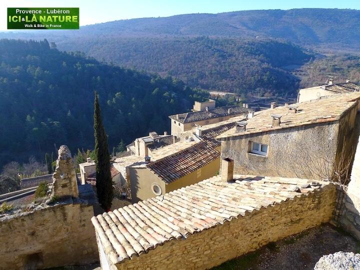 10-walking tour in provence bonnieux