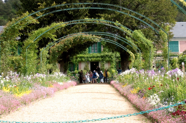 The arbor leading to Monet's home at Giverny